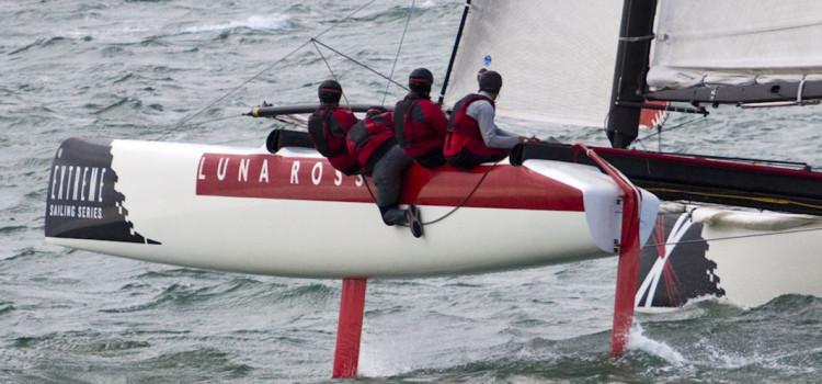 Extreme Sailing Series, Luna Rossa prende il comando