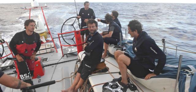 Transpac, Maserati a 150 miglia da Honolulu e da Ragamuffin