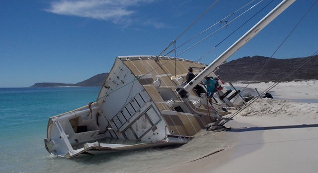 Clipper Race Yacht, slvage operation update