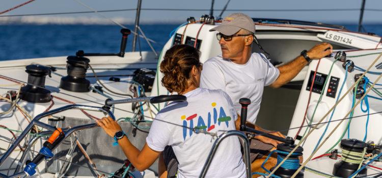 Marina Militare Nastro Rosa Tour, tre equipaggi in un punto si giocano l'Hempel Double Mixed Offshore Worlds